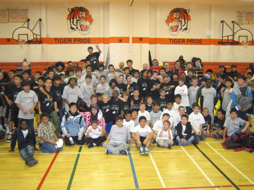 http://www.basketballmanitoba.ca/images/stories/events/TMHS/Fall2010/Boys.jpg